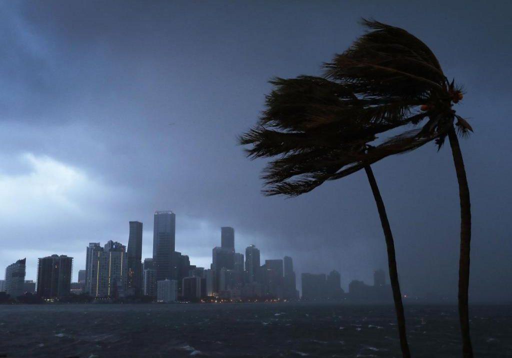 Massive-Hurricane-Irma-Bears-Down-On-Florida.jpeg.CROP.promo-xlarge2